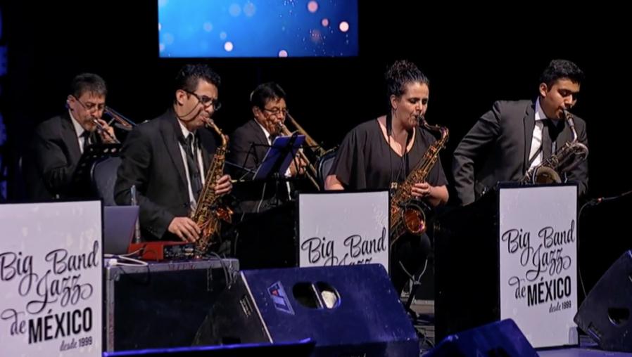"""La velada de la Big Band Jazz de México y la """"Luna de Xelajú"""" con la que recordó a Guatemala durante un concierto streaming"""