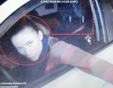 Daniela Beltranena fue captada cuando ingresaba en un centro comercial. (Foto Prensa Libre: Cortesía Feci)