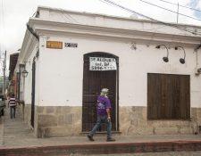 Aunque ya se empezó la reapertura de varios sectores, hay empresas y comercios que ya no  reanudarán labores y debieron cerrar en forma definitiva. (Foto, Prensa Libre: Hemeroteca PL).