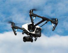Los drones son uno de los tantos ejemplos tecnológicos que personifican el poder de las ciencias puras. Foto Thomas Ehrhardt en Pixabay