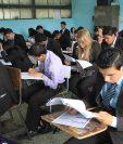 Este año, el Mineduc suspendió las pruebas a los graduandos para prevenir contagios de coronavirus.  (Foto Prensa Libre: Hemeroteca PL)
