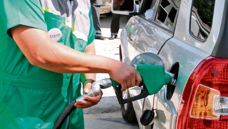 El plan piloto que retomaría pruebas para mezclar etanol en combustibles en Guatemala