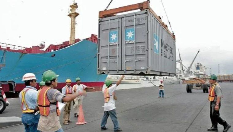 Entre las variables que mide el Indice Económico Semanal se encuentran las exportaciones e importaciones. (Foto Prensa Libre: Hemeroteca)