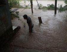 Inundaciones en la aldea Nahualate 1, San José del ídolo, Suchitepéquez. (Foto Prensa Libre: Conred)