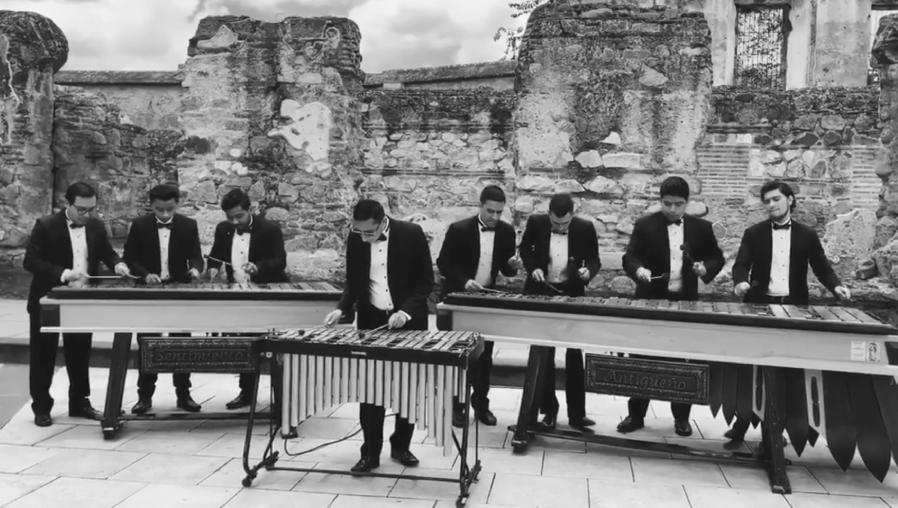 """La espectacular versión de """"El amor que me tenía"""" que la Marimba Sentimiento Antigüeño dedicó a Ricardo Arjona"""