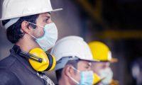 Las guías de salud y seguridad ocupacional se dividen por sector industrial, construcción y agrícola. (Foto Prensa Libre: Shutterstock)