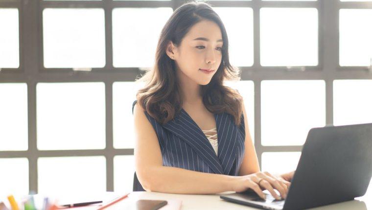 Una encuesta realizada en 2017 mostró que menos de un 25% de los usuarios chinos usan el correo en su trabajo diario.