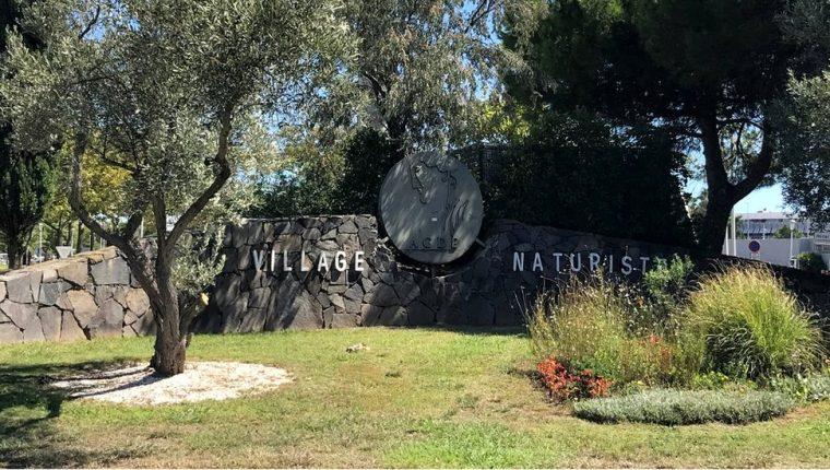 Una villa nudista del sur de Francia registró un importante brote de covid-19.
