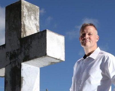 Bill Edgar ha hecho carrera hablando en nombre de los muertos.