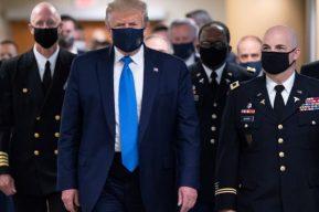 El director de los CDC afirma que las mascarillas serían más efectivas que las vacunas y Trump muestra su desacuerdo