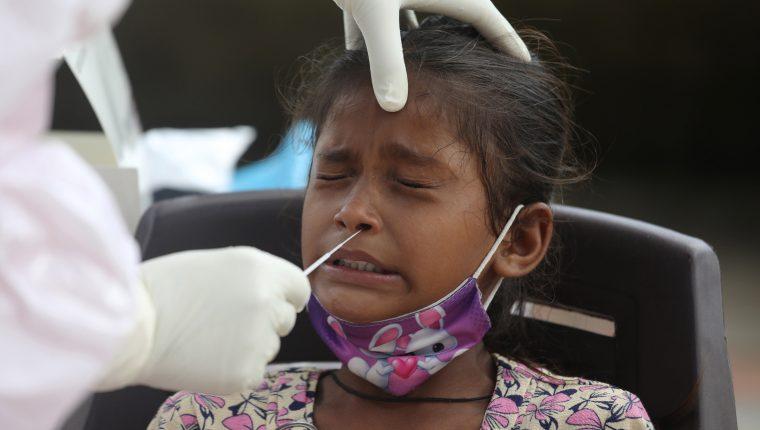 Los niños pueden padecer una grave forma de inflamación sistémica a causa del coronavirus. (Foto Prensa Libre: EFE)