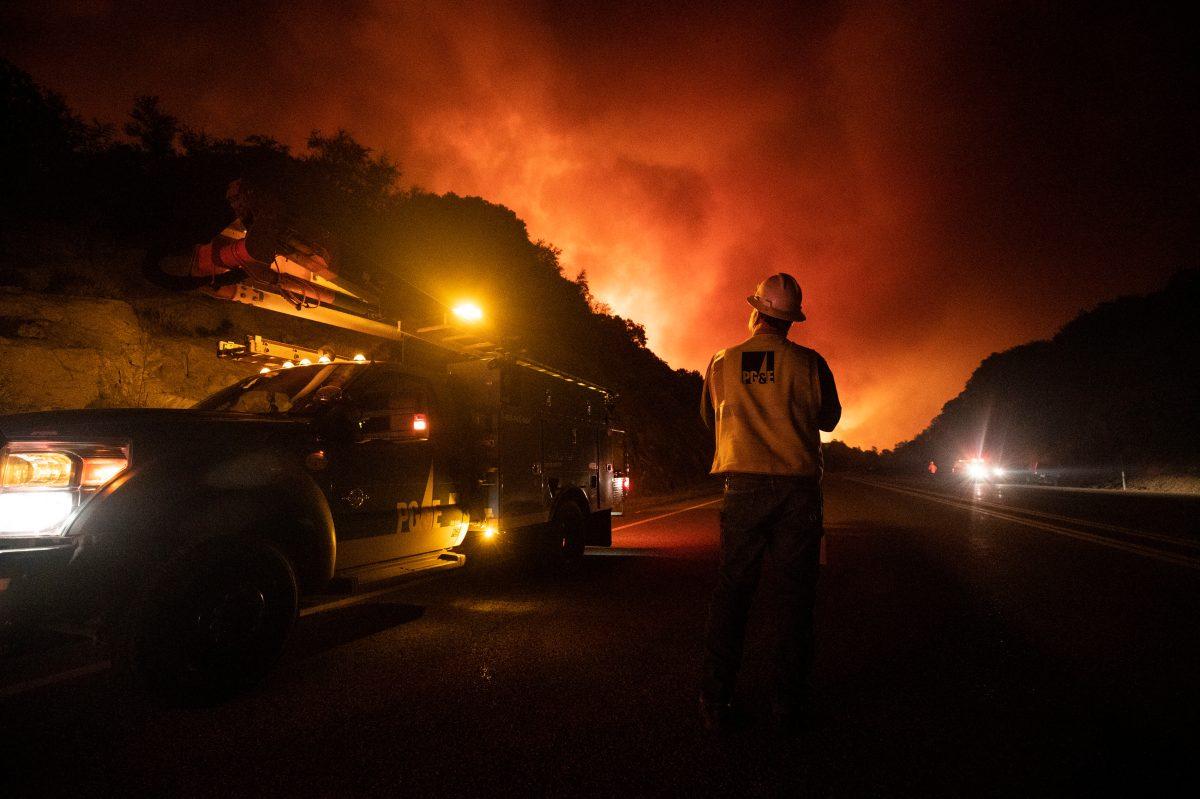 Fiesta para revelar el sexo de un bebé ocasionó uno de los grandes incendios que afectan California, Estados Unidos