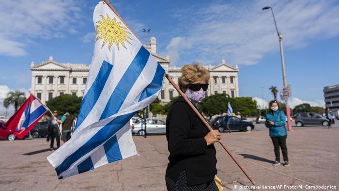 ¿Por qué Uruguay se está llenando de argentinos?