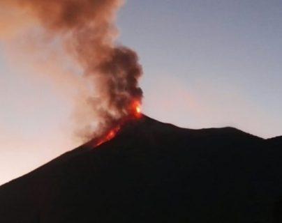 El Volcán de Fuego mantiene actividad, reporta la Conred. (Foto referencial: Hemeroteca PL)