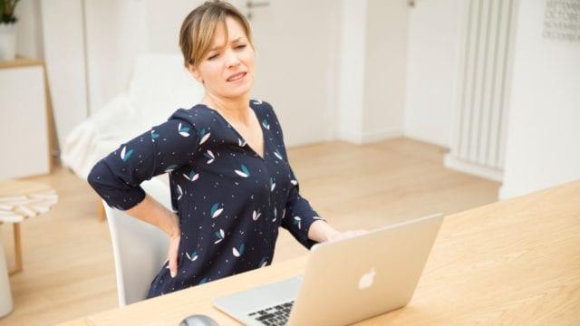 Consejos de un experto para trabajar desde casa sin que duela la espalda