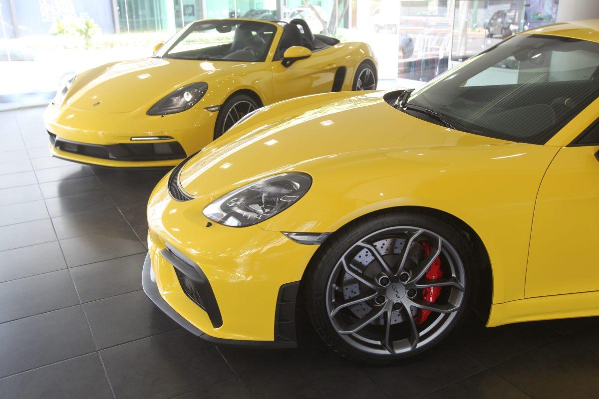 Grupo Los Tres presentó los nuevos Porsche 718 Cayman GT4 y 718 Boxster GTS