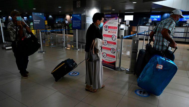 Por la tarde del jueves aún hacía falta  cumplir con algunos detalles en el Aeropuerto La Aurora. (Foto, Prensa Libre: AFP).