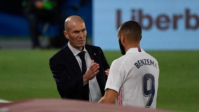 Zinedine Zidane confía en sus jugadores para retomar el camino del triunfo en el clásico español frente al Barcelona. (Foto Prensa Libre: AFP).