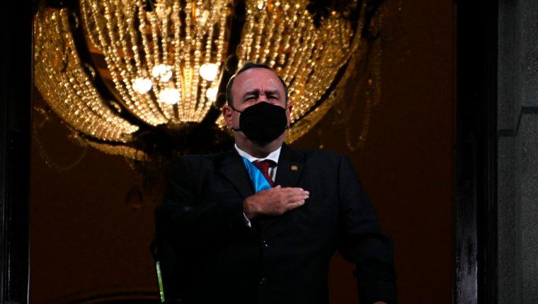 El presidente Alejandro Giammattei fue diagnosticado con covid-19. (Foto Prensa Libre: AFP)