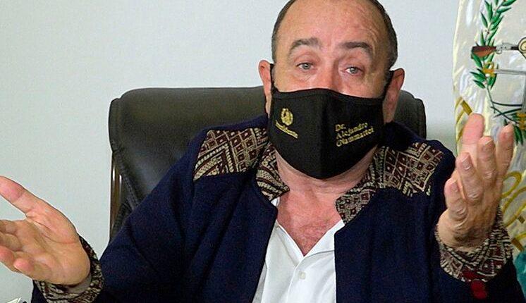 El presidente Alejandro Giammattei oficializó estar enfermo de covid-19 el 18 de septiembre de 2020, a través de un mensaje en cadena nacional. (Foto Prensa Libre: Captura Youtube)