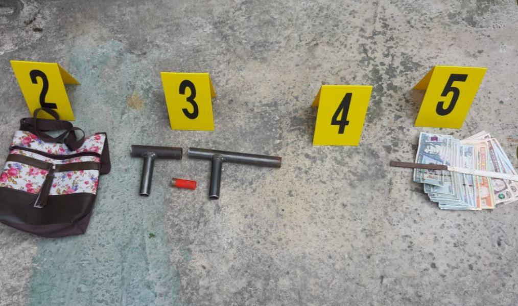 Capturan a supuesta coordinadora de clica y decomisan armas y explosivos
