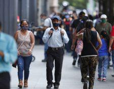 El porcentaje de guatemaltecos que utilizan mascarilla descendió en octubre (Foto Prensa Libre: Hemeroteca PL)