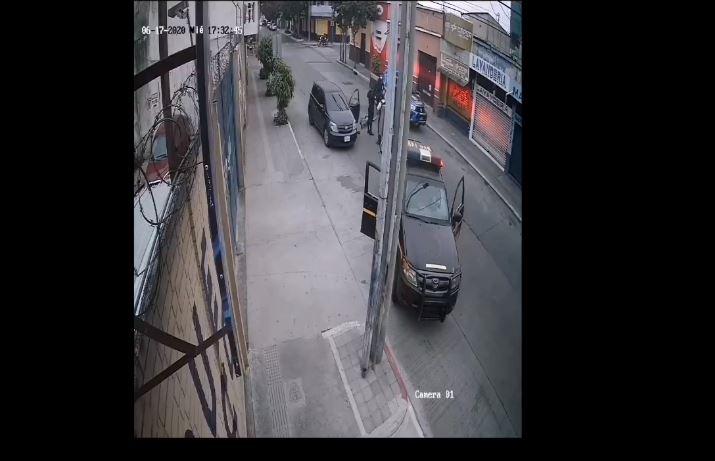 Difunden video en el que supuestamente agentes de la PNC dispararon contra un hombre