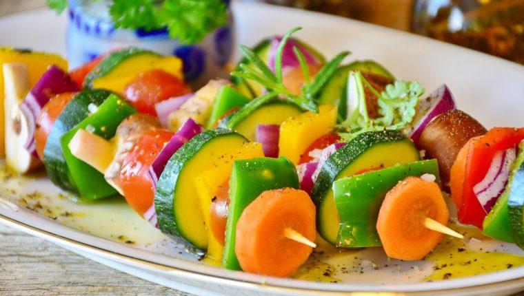 Hacer los platillos atractivos y al mismo tiempo agregarle nuevos ingredientes hará más fácil llevar la nueva dieta. (Foto Prensa Libre: Pixabay).