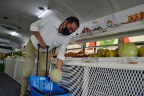 La distribuidora de fruta y verdura que se transformó en un camión móvil por la pandemia