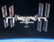Una pieza desconocida de desechos espaciales se aproximó a 1,39 kilómetros de la Estación Espacial Internacional. (Foto Prensa Libre: Twitter  @Space_Station).