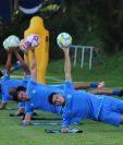 El técnico de la Selección de Guatemala, Amarini Villatoro, convocó a 23 jugadores para el encuentro con México. (Foto Prensa Libre: Fedefut)