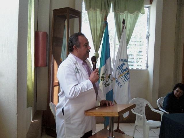 """""""Estamos muy dolidos"""": lamentan la pérdida del médico guatemalteco Héctor Barrios, quien murió por coronavirus"""