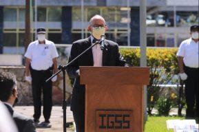 """Edwin Asturias recuerda a los médicos del IGSS fallecidos y dice que que muestran el """"patriotismo guatemalteco"""""""