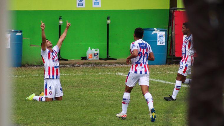 Israel Silva anotó su gol 154 con la camisola de Xelajú MC. Foto Prensa Libre: Cortesía Shirley Vásquez.