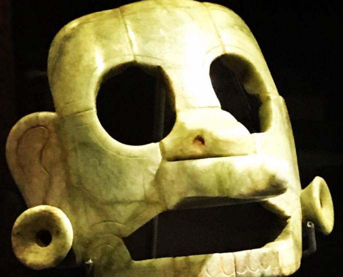 Guatemala recupera máscara que representa a Chac, dios Maya de la lluvia