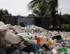 Contaminación del río Motagua, que en su trayecto recibe los desechos de 95 municipios. (Foto Prensa Libre: Hemeroteca PL)