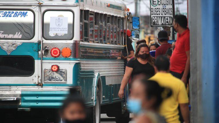 La división de transporte -por el alza la tarifa- ha presionado el ritmo inflacionario en Guatemala durante 2021, según autoridades. (Foto Prensa Libre: Hemeroteca)