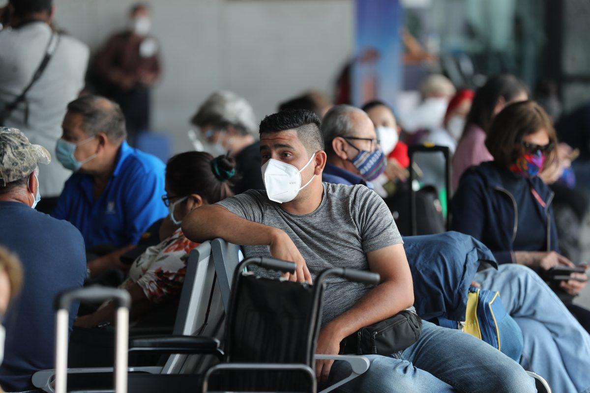 Aeropuerto La Aurora solo admitirá a pasajeros con prueba PCR negativa y se elimina opción de cuarentena