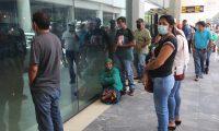 Este sábado continúa la reapertura de operaciones del Aeropuerto La Aurora. (Foto Prensa Libre: Érick Ávila)