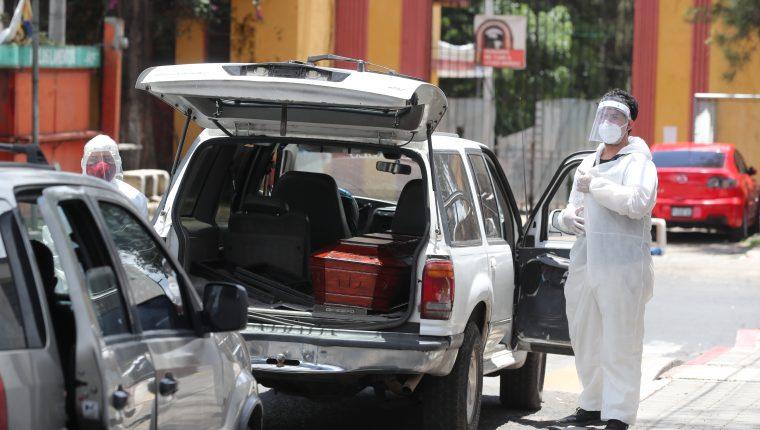 El Cementerio La Verbena es utilizado para inhumar a personas que han muerto por covid-19 en Guatemala. (Foto Prensa Libre: Hemeroteca PL)