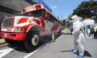 PDH, Municipalidad de Guatemala realizan operativo en la avenida hincapiŽ odie revisan los buses de villa canales que tengan las medidas sanitarias para que los usuarios puedan utilizar las unidades para evitar el contagio de coronavirus.  Fotograf'a. Erick Avila:        19092020