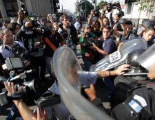 Periodistas han sido agredidos no solo durante la cobertura de protestas, sino también de otros hechos noticiosos. (Foto Prensa Libre: HemerotecaPL)