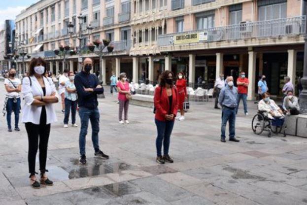 Manifestación pacífica en Ciudad Real por la muerte de Nancy Paola. (Foto Prensa Libre: Tomada de Europapress.es)