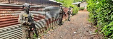 El estado de Prevención en tres municipios de Izabal y dos de Alta Verapaz tendrá vigencia 15 días. (Foto Prensa Libre: Ejército de Guatemala)