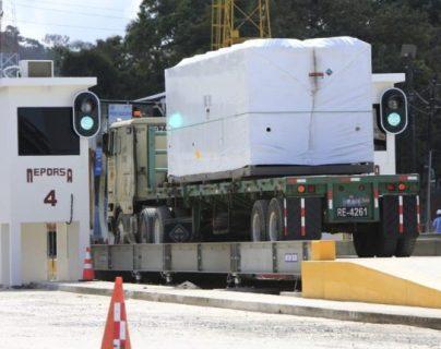 El nuevo sistema de Rayos X para inspecciones ni intrusivas en Empornac fue inaugurado a mediados de septiembre, después de 9 meses sin uso, pero la SAT aún no puede usar esas imágenes.  (Foto, Prensa Libre: Hemeroteca PL).