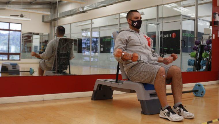 Algunos gimnasios el país realizarán un ensayo de reapertura para evaluar el riesgo de infección del covid-19 en las instalaciones. (Foto Prensa Libre: Fernando Cabrera).