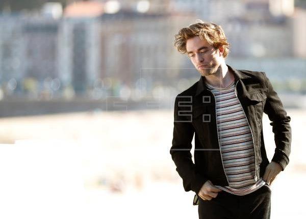 La filmación de The Batman tendrá una nueva pausa por un nuevo incidente, ahora porque Robert Pattinson tiene coronavirus. (Foto Prensa Libre: EFE)