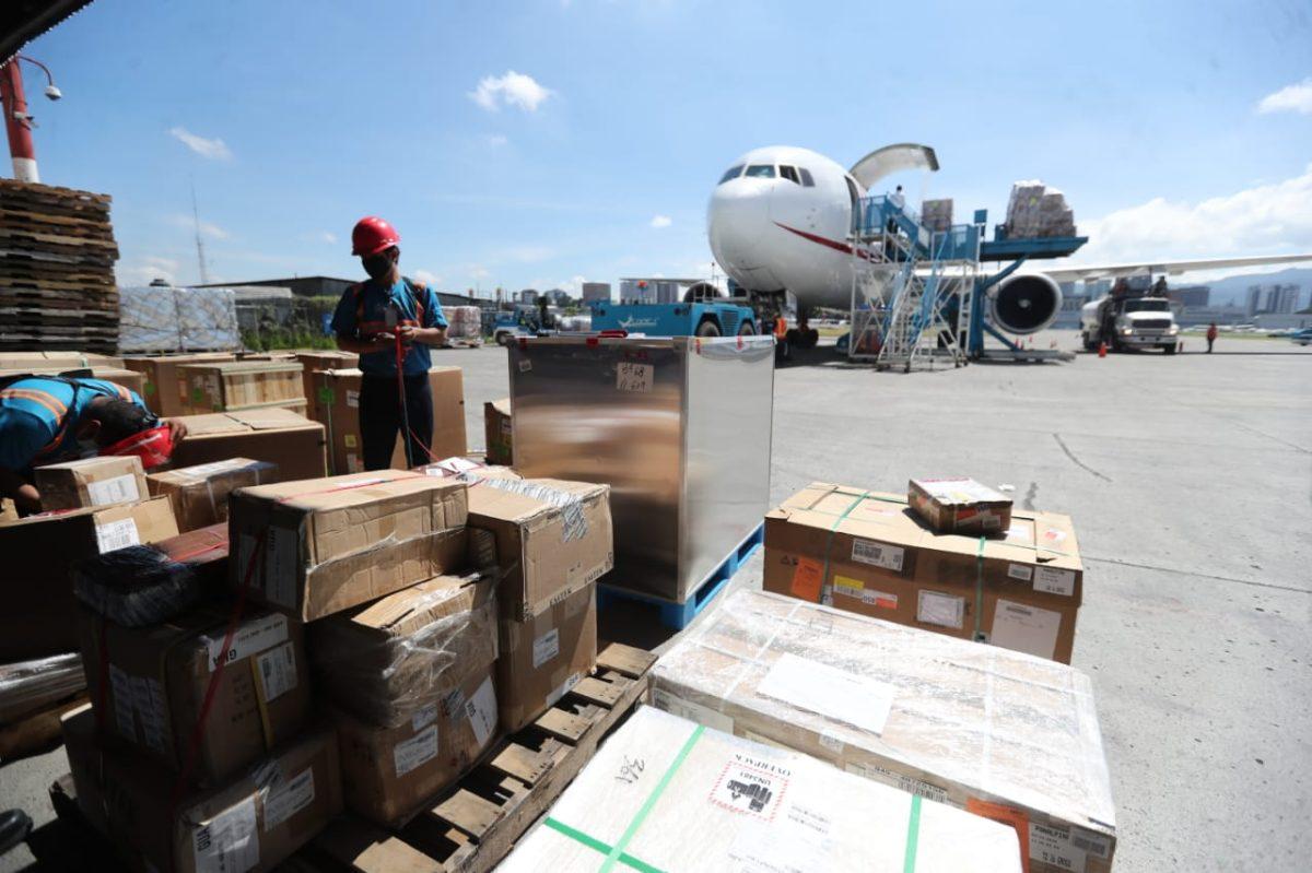 Aeropuerto La Aurora: La millonaria inversión que requerirá la saturada área de carga de la terminal