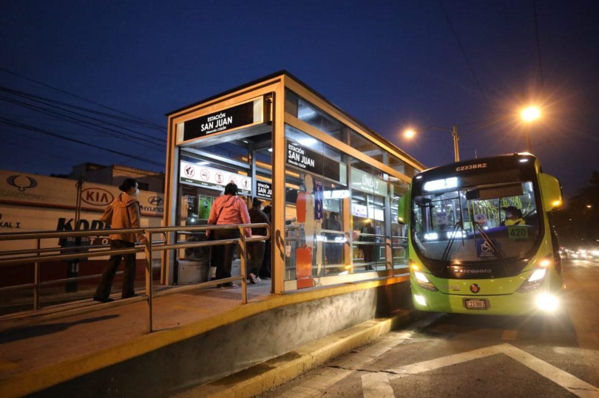 Transmetro completa recorrido de las líneas 6 y 7 que van desde la zona 6 y la Usac hacia el centro de la ciudad