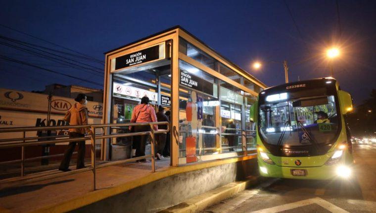 Las líneas 6 y 7 del Transmetro reanudaron el servicio  completo en la capital. (Foto Prensa Libre: Municipalidad de Guatemala)